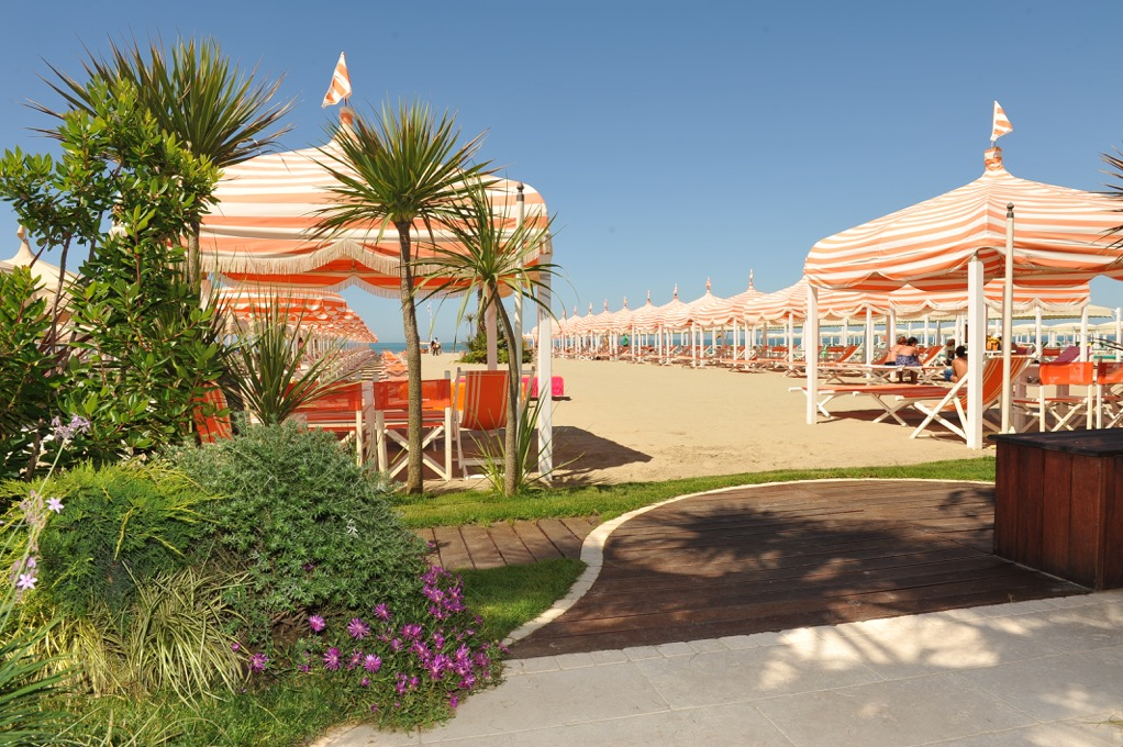 The beach park hotel villa ariston - Bagno ariston lido di camaiore ...